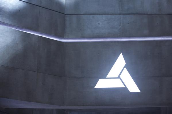 01-Assassins-Creed-Movie-Filme-Abstergo